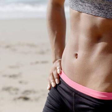 Ćwiczenia na płaski brzuch – 10 powodów, dlaczego nie powinnaś robić brzuszków