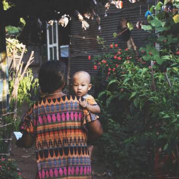 Jak wygląda ciąża i poród w różnych kulturach?