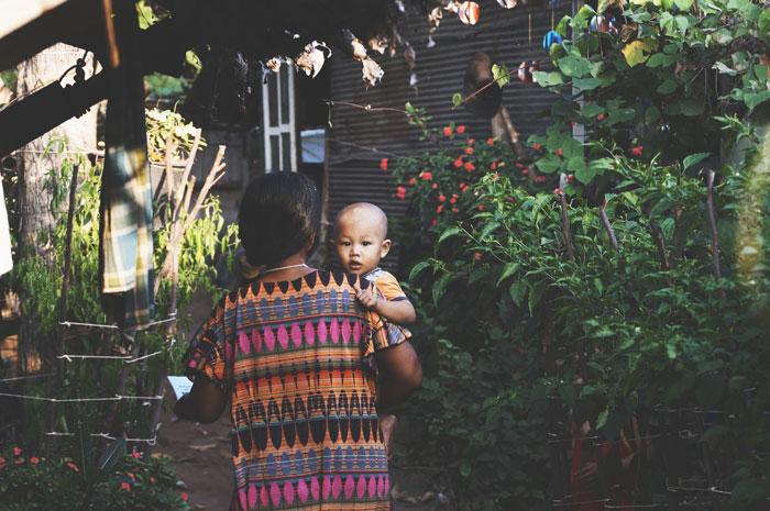 jak wygląda ciąża i poród w różnych kulturach