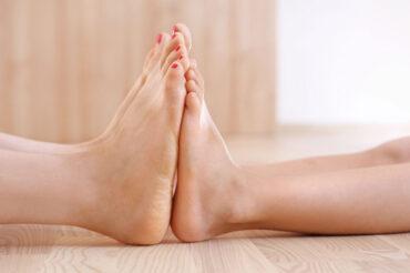 Nie zapominaj o stopie – ćwiczenia na halluksy i płaskostopie